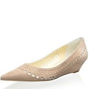 Butter Suntan Perforated Pointy Wedge Size7